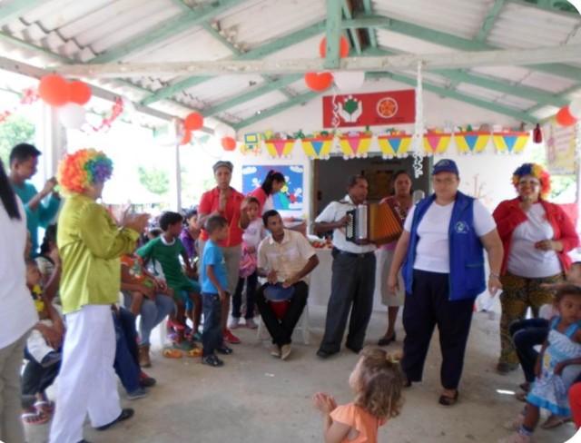 La familia unida disfruta de una serenata vallenata  en Disciplina, Magdalena