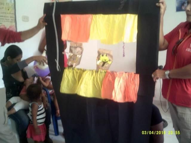 Actividades con marionetas hechas de materiales reciclables en Cinagueta